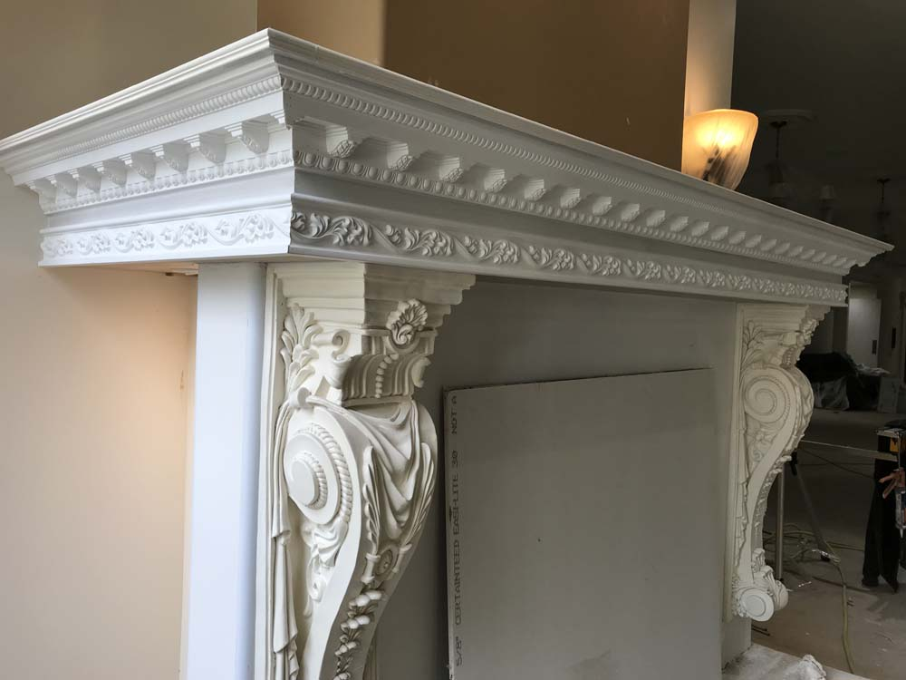 Crown molding carpenter in Michigan
